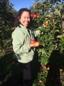 Viv picking apples1 2015